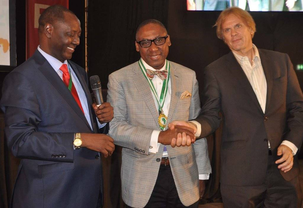 Bart de Vries, President of the International Public Relations Association (IPRA) (right) congratulating Yomi Badejo-Okusanya, the new President of the African Public Relations Association (APRA), while Peter Mutie, outgoing APRA President acknowledges, at the just concluded APRA Calabar 2016 Conference