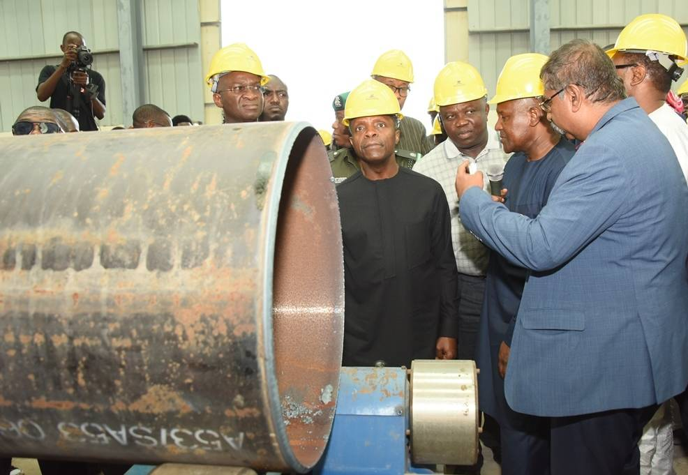 Lagos State Governor, Akinwunmi Ambode (middle), with Vice President, Prof. Yemi Osinbajo (2nd left); Minister of Power, Works & Housing, Mr. Babatunde Fashola (left), President, Dangote Group; Alhaji Aliko Dangote (2nd right) and Group Executive Director, Dangote Projects, Mr. Devarcoma Edwin during the Vice President's inspection visit to the Dangote Fertilizer Plant at the Lekki Free Trade Zone, Lagos, recently