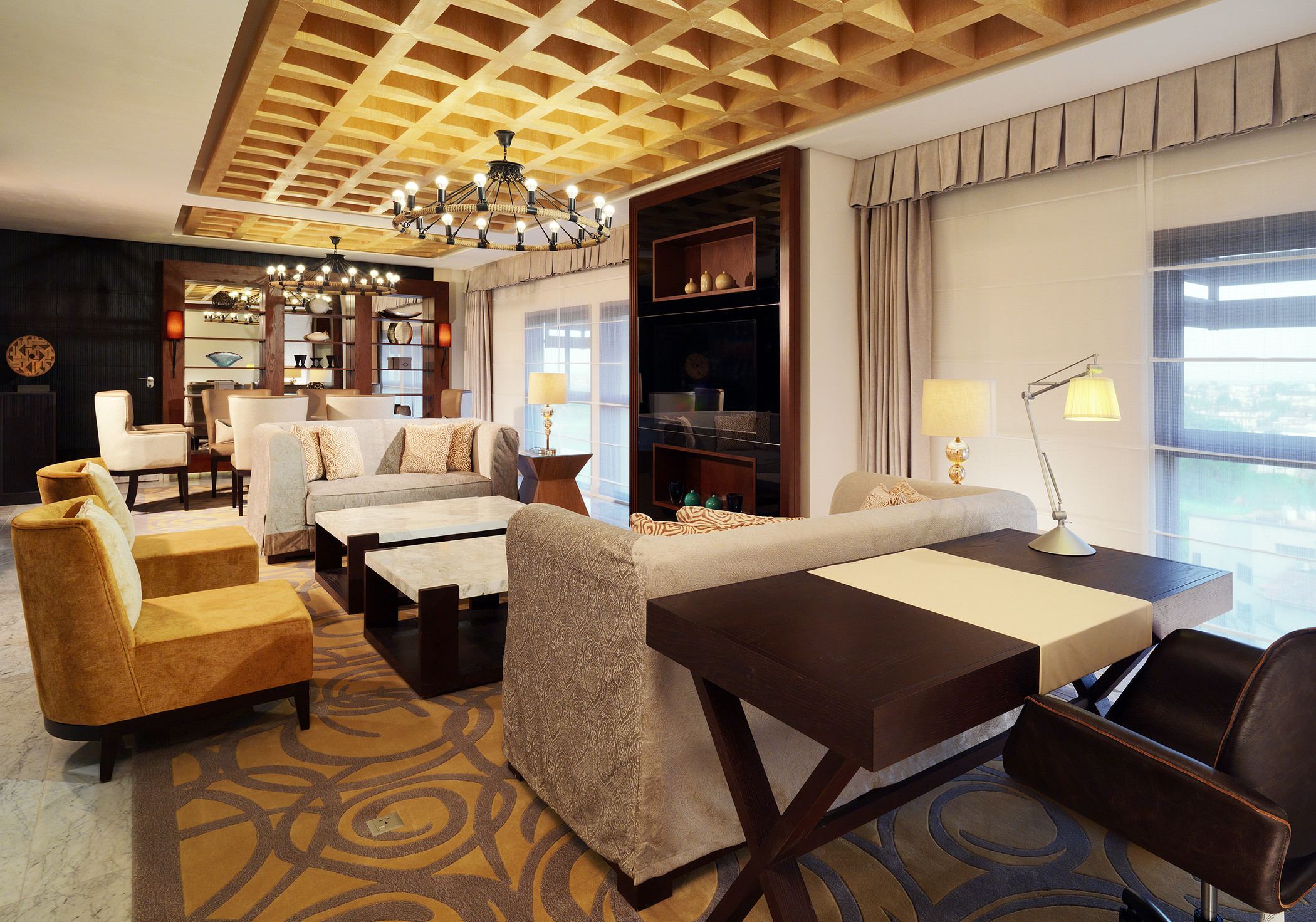 presidential-suite-living-room